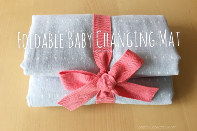 DIY Foldable baby changing mat with ribbon