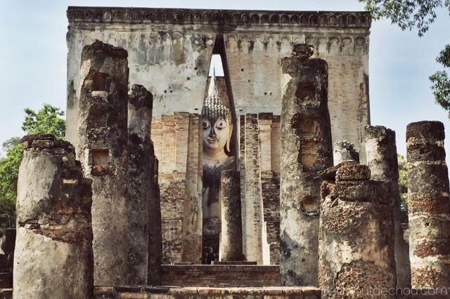 Hidden buddha temple Sukhothai