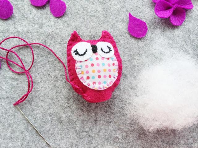 DIY stuffed felt owl with free pattern stuffing