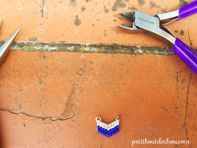 Chevron beaded in brick stitch with miyuki beads - jump rings