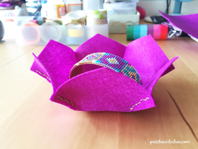 Flower shaped felt basket
