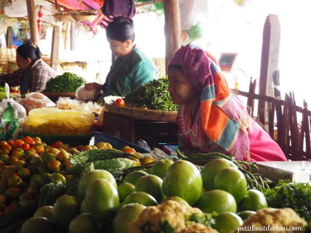 Nyaung U market fruits