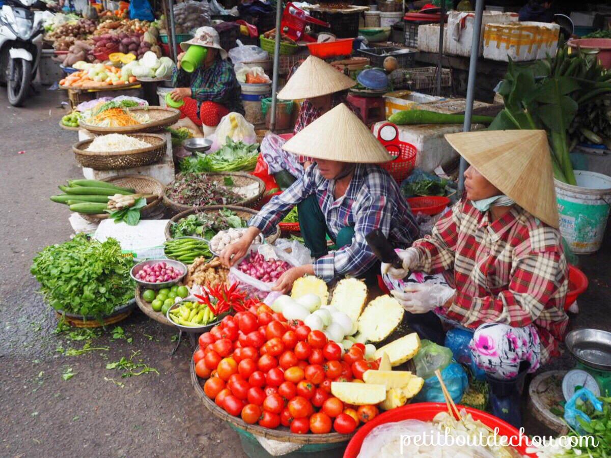 Dung Ba market