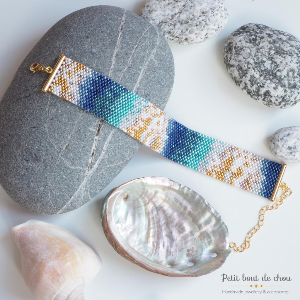 bracelet tissage peyote impair bleu canard et feuilles d'or